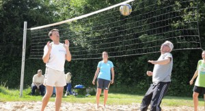 06-Volleyball_am_Abend